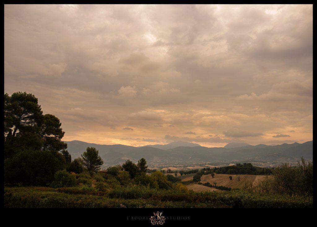Tuscan Hills, Italy // DESTINATION WEDDING PHOTOGRAPHY